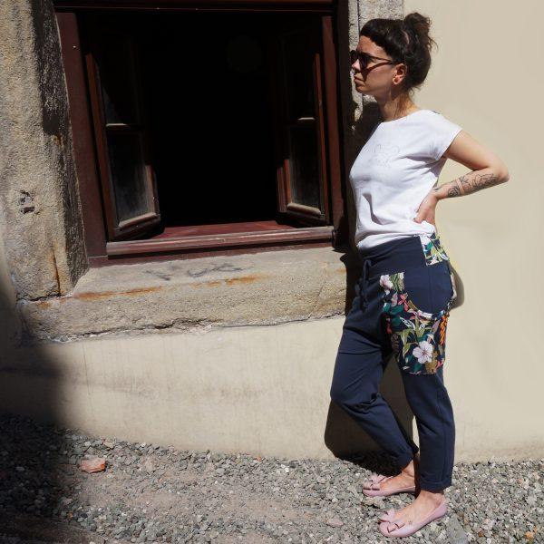 spodnie_kwiaty_grafit 4