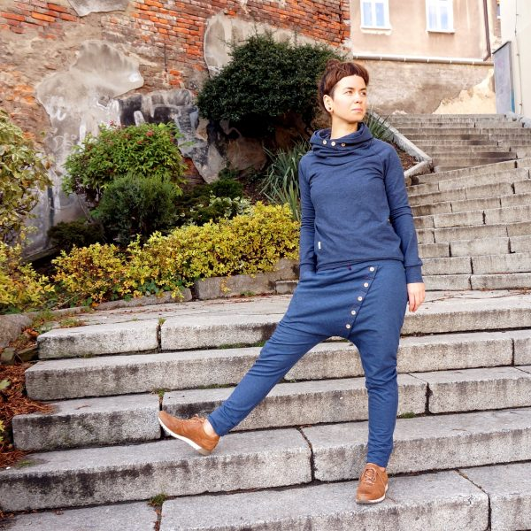 tracksuit_wooden_ buttons_01